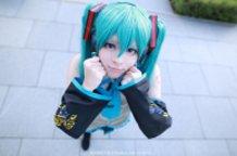 Ganbatte! !   がんばって Do Your Best !!  ~ Hatsune Miku Cosplay