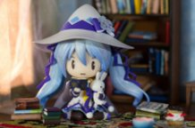 Snow Miku Studying Magic