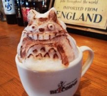 "3D Latte Art ""Totoro"""