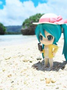 Miku on the shore