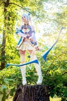Altina - Shining Blade cosplay