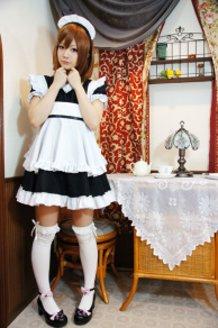 Yui Hirasawa's Maid Cosplay (K-ON!)