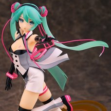 Hatsune Miku Nijigen Dream Fever Ver. 1/7 Scale Figure