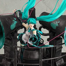 Hatsune Miku: Love Is War Ver. DX 1/8 Scale Figure (Re-run)