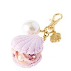 Q-pot. Shell Macaron Bag Charm